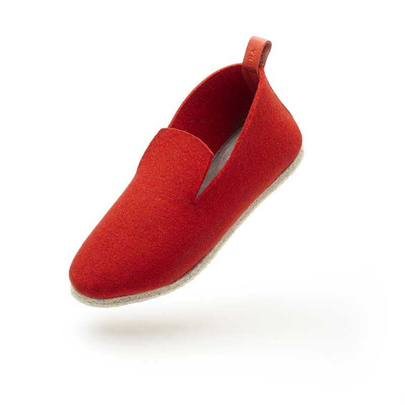 charentaise moderne, design, contemporaine - fabrication francaise charentaise AERO Feutre rouge coupe basse